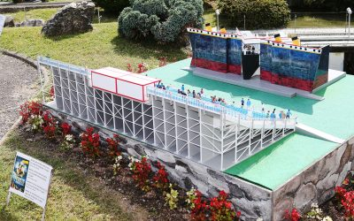 NEW MINIATURE OF TITANIC